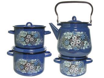 Набор кастрюль с чайником ''Голубика'' 142