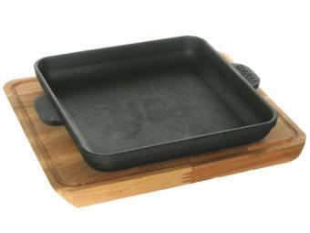 Сковорода чугунная 18см на подставке (64297)