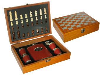Набор шахмат с флягой 4 рюмки