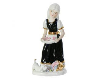 Сувенир Девочка с собачкой 19см